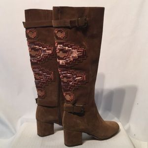 Gorgeous Embroidered Suede Boots Gianni Bini SZ 6
